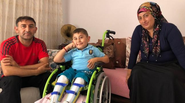 Cam kemik hastası Aras artık yürüyebilecek