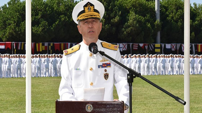 Boğaz Komutanlığı'na Tuğamiral Ayhan Gedik atandı