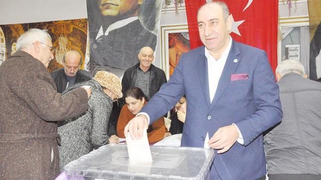 İYİ Parti Beykoz Akif Taşdemir'le Devam Dedi