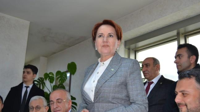 Meral Akşener Beykozlu Doğu Karadenizliler Derneğini ziyaret etti