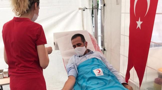 AK Parti Beykoz'dan Kızılay'a kan desteği