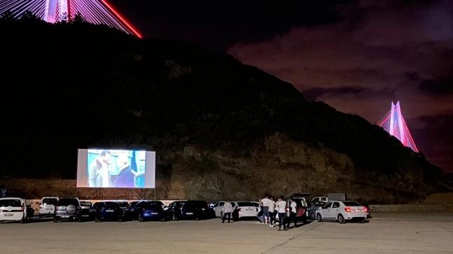 Beykoz Poyrazköy'de arabalı sinema günleri yaşanıyor